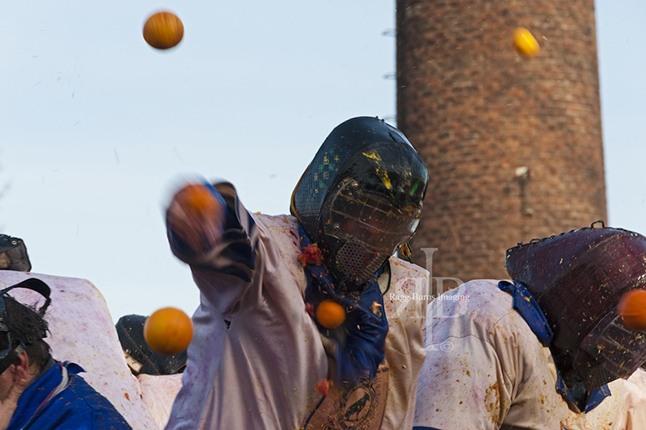 Action shot from Carnevals d'Ivrea - those oranges hurt!