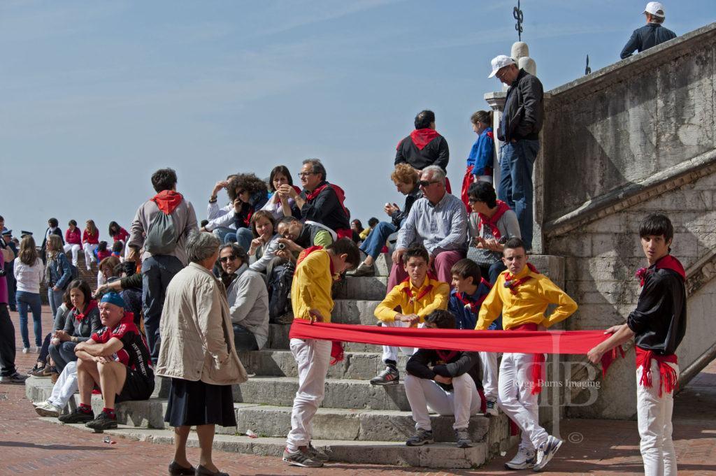Ceri Di Gubbio Fixing the Clothes in the Main Square