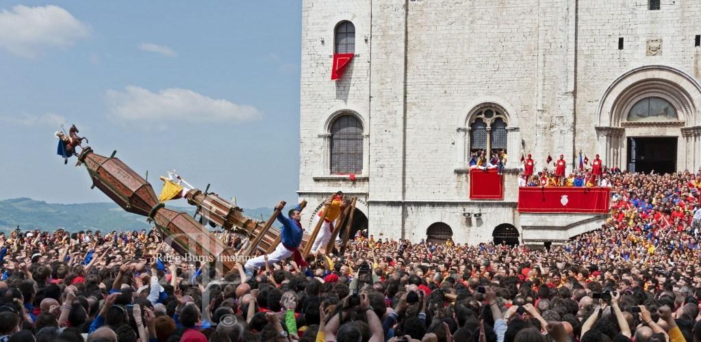 Ceri Di Gubbio Raising the Ceri
