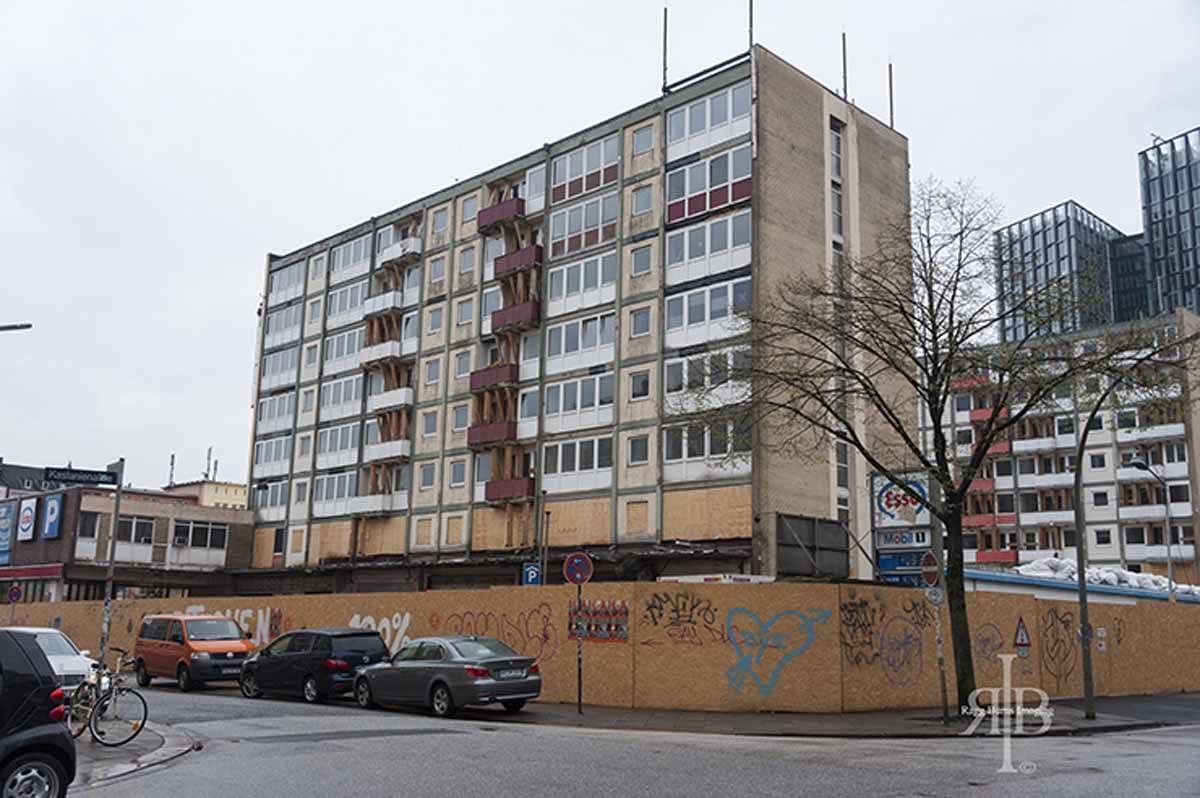 Hamburg-St-Poauli-Tour-Closed-Building