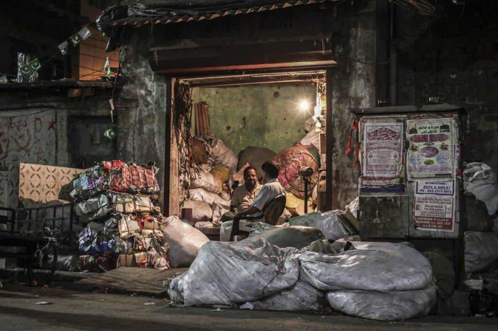 Calcutta rubbish shop