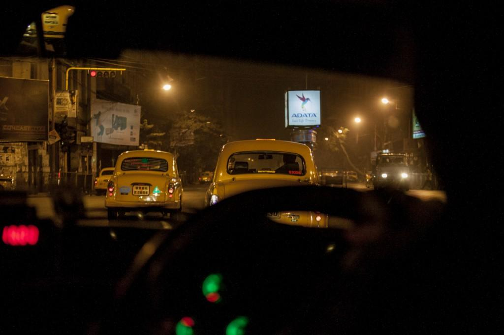 Calcutta night traffic