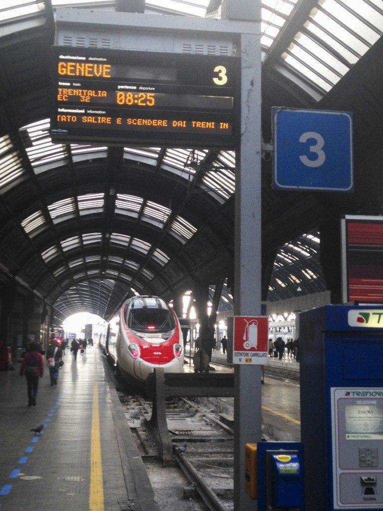 A Swiss train, kind of looks like a Frecciarossa
