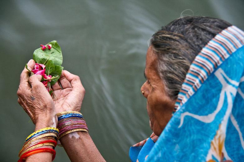 Varanasi puja woman