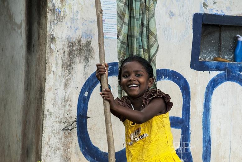India Backwaters Happy Girl