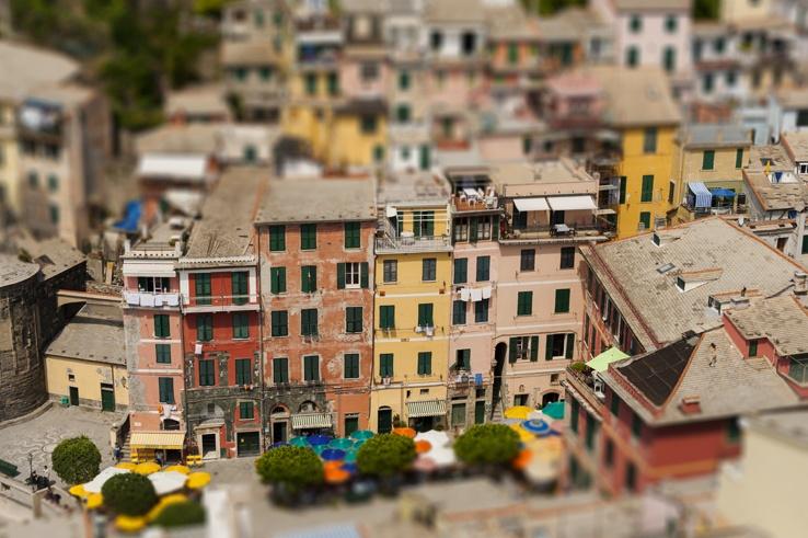 Cinque Terre by train Vernazza mini