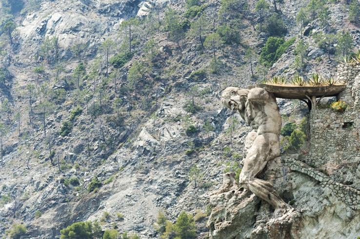 Cinque Terre by train Monterosso Giant