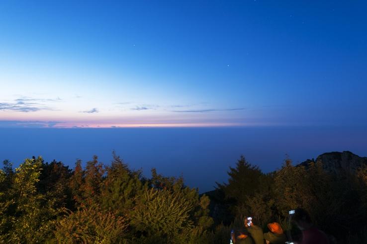 Mount Tai Early Colours