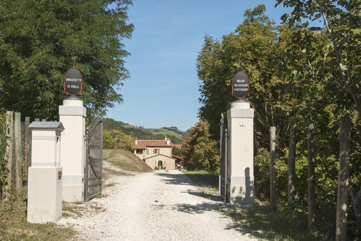 Borghetto di Brola Entrance