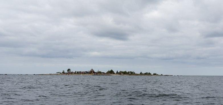 Maakalla island horizon