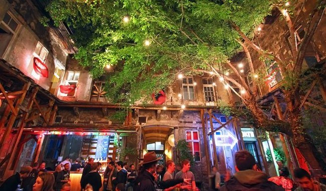 6 Budapest Ruin Pubs - The Crowded Planet