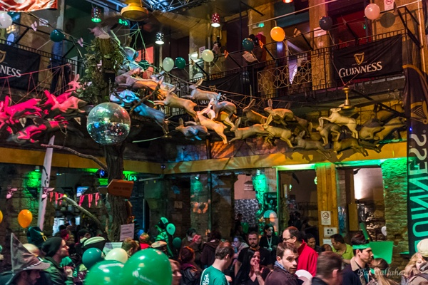 6 Budapest Ruin Pubs The Crowded Planet