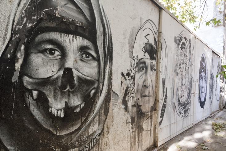 veiled woman graffiti
