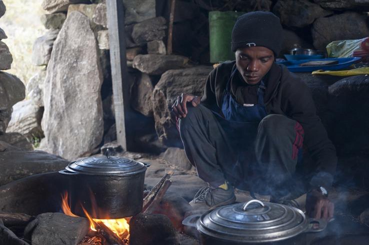 Madagascar camp Mario Cooks