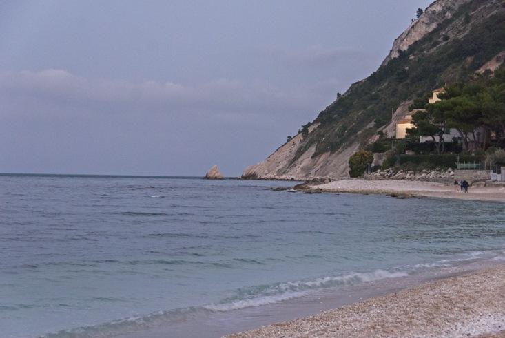 visit mount conero beach sunset