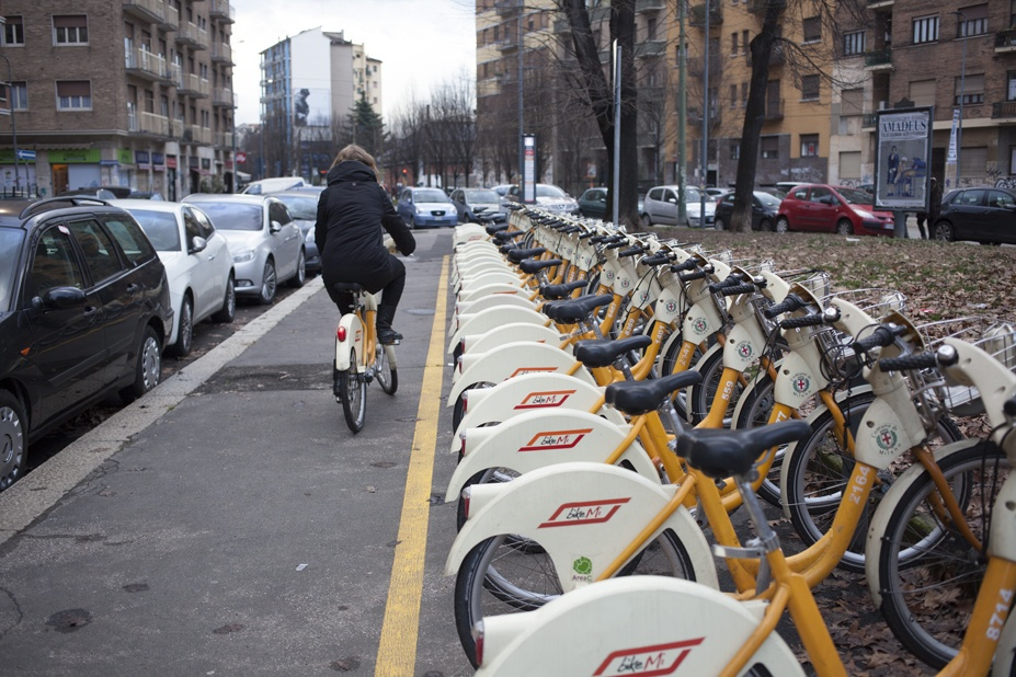 Bike sharing in milan cycling
