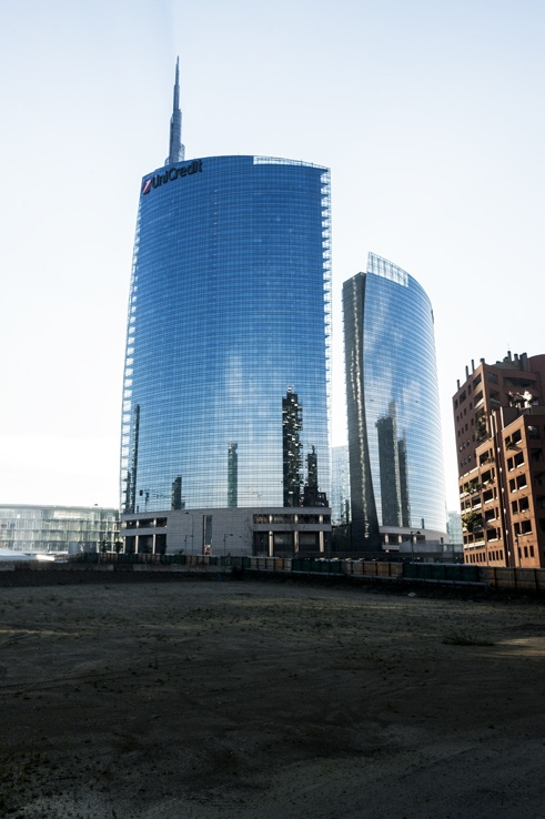 Milano Unicredit building reflections