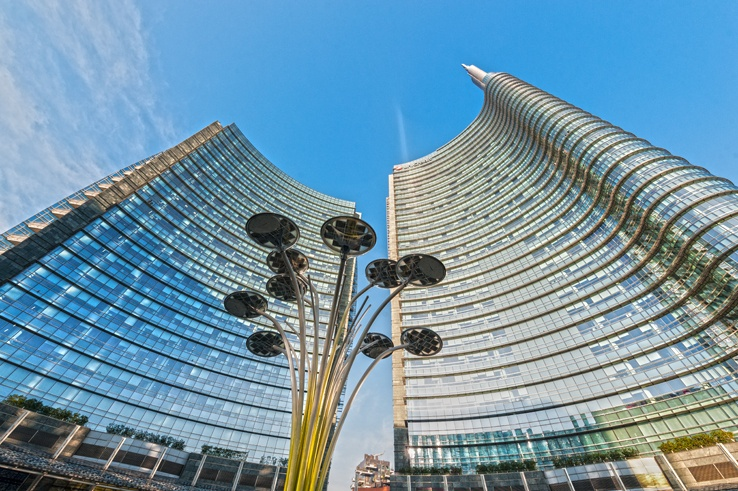 Unicredit building artemide lamp milan