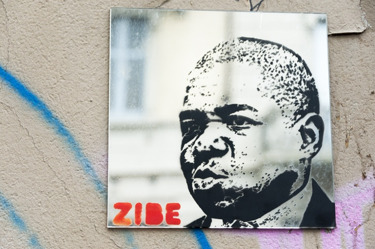 Milano Street Art Zibe Mirror