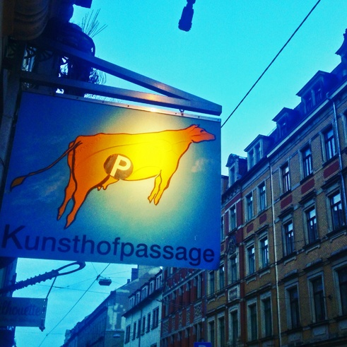 kunsthofpassage dresden sign