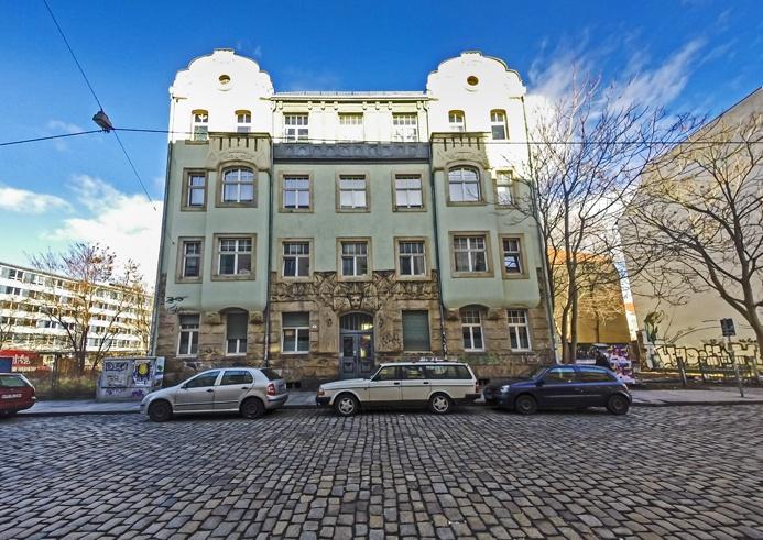 ...and Art Nouveau mansions.