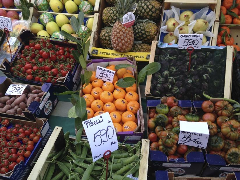 milan market fruit