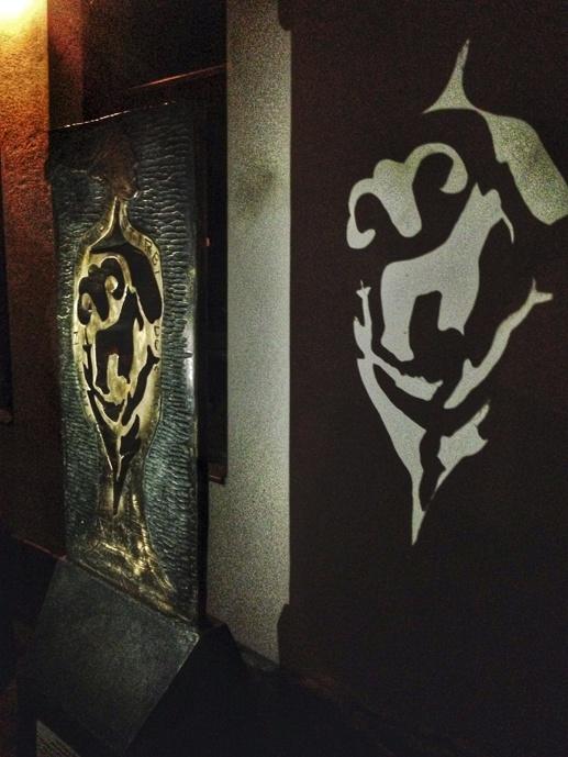 shadow street art dresden