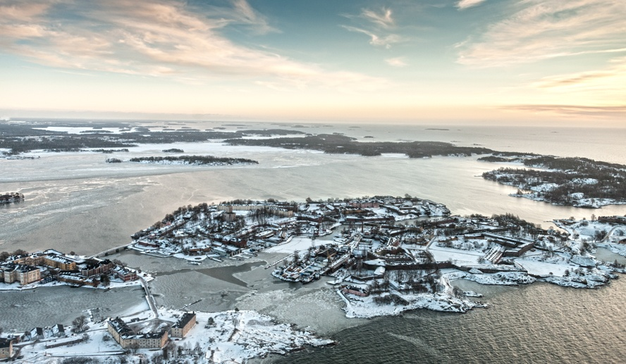 suomenlinna from helicopter winter