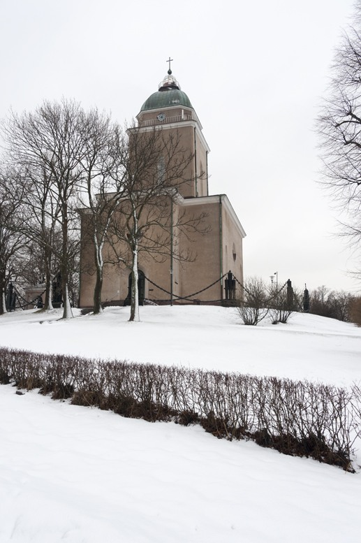 suomenlinna church winter
