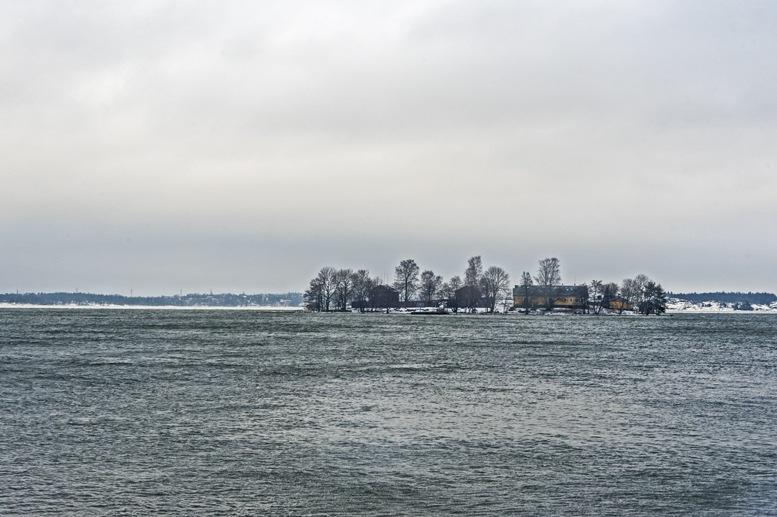 helsinki island winter