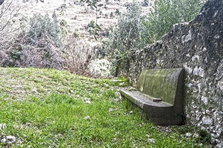 hiking bench torbole