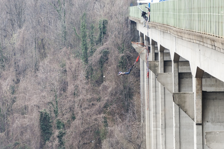 ponte colossus bungee jumping