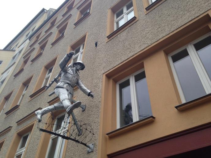 conrad schumann jumping brunner strasse