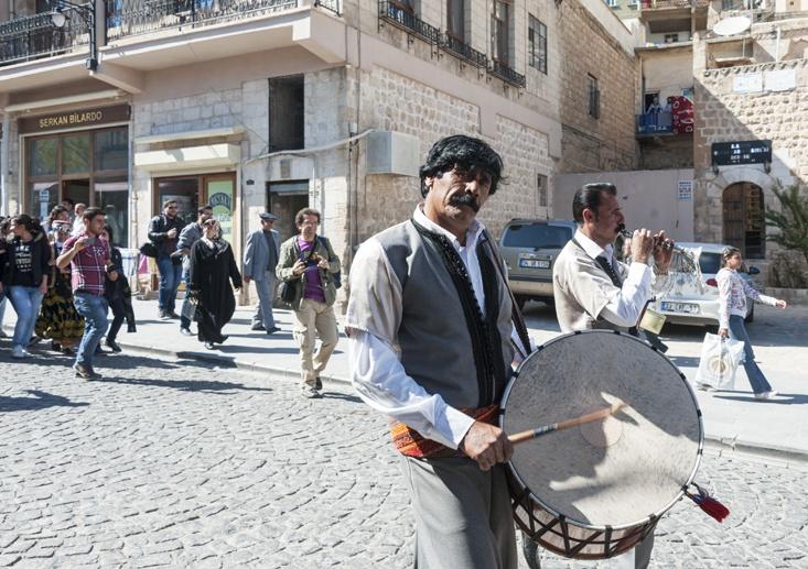 mardin first street musician