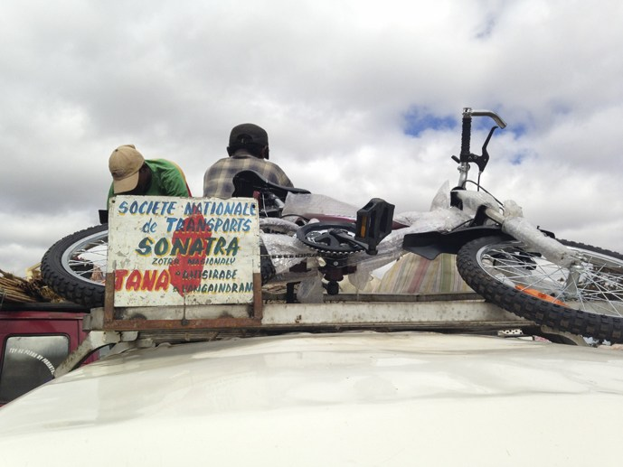 taxi brousse motorbike