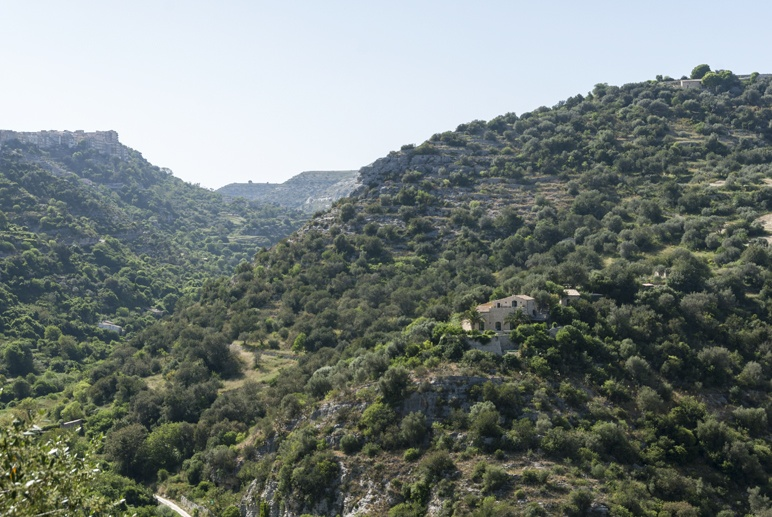 ragusa iblei mountains view