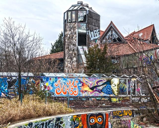 blub water park urbex berlin
