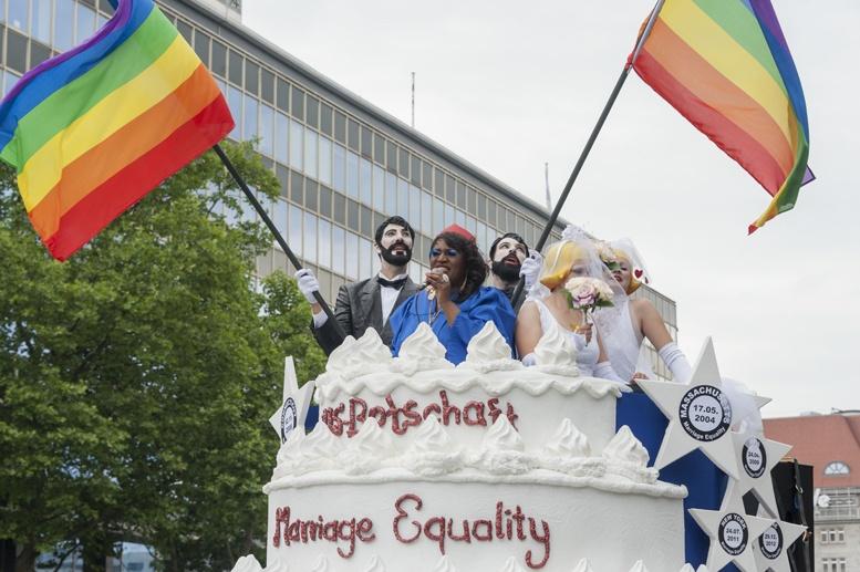 Berlin gay pride american float