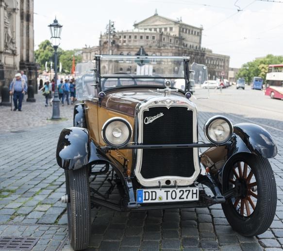 Dresden oldsmobile semperoper