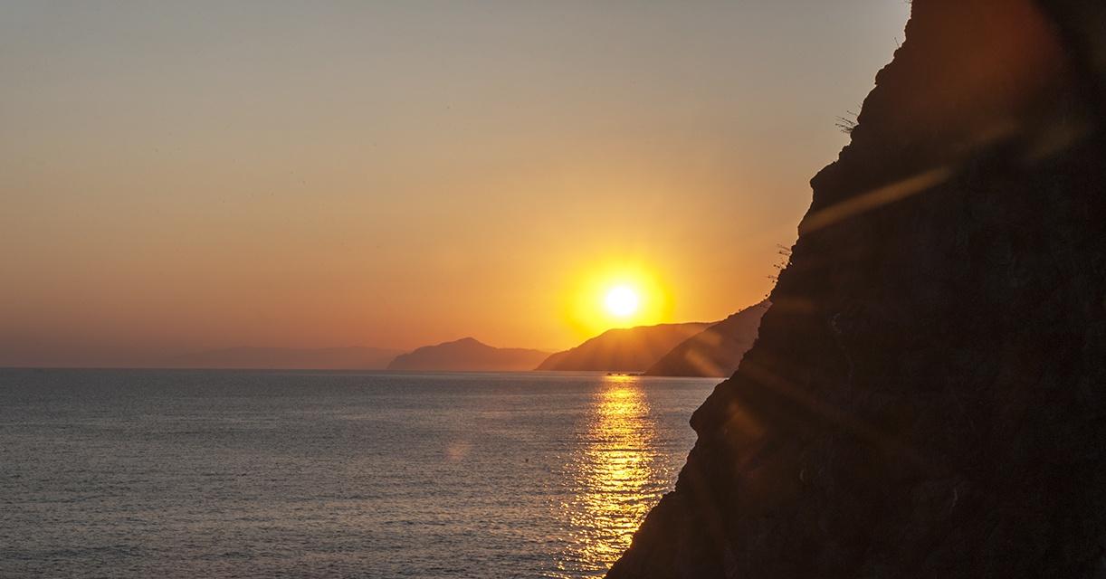 sunset levanto orange sea