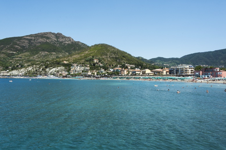levanto sea and beach