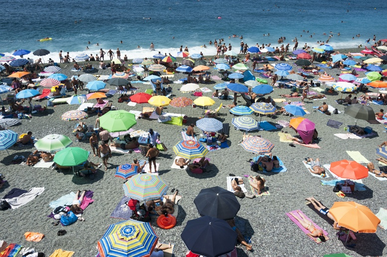 levanto liguria free beach