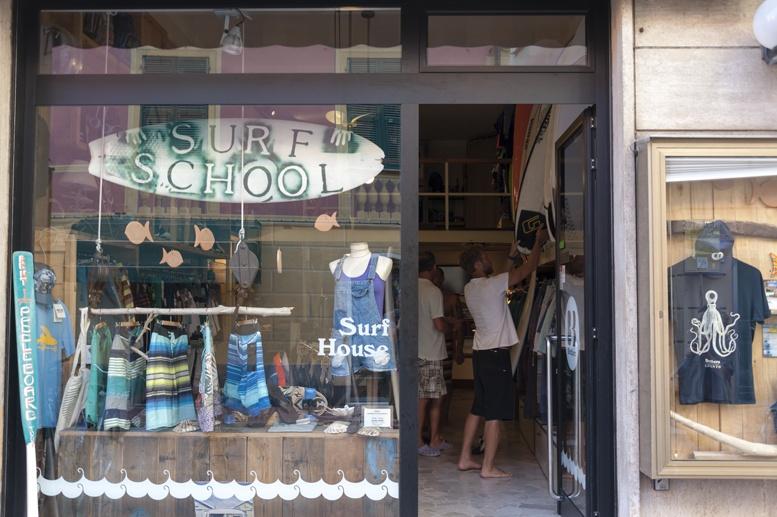 brothers surf school levanto