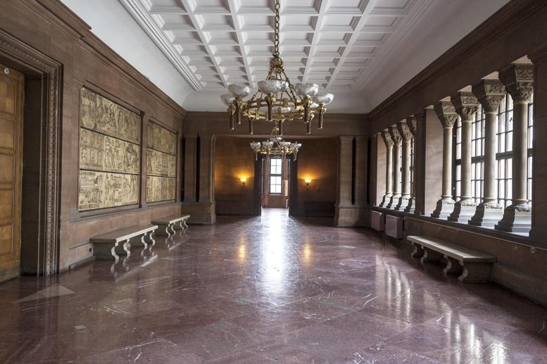 imperial castle poznan corridor 2