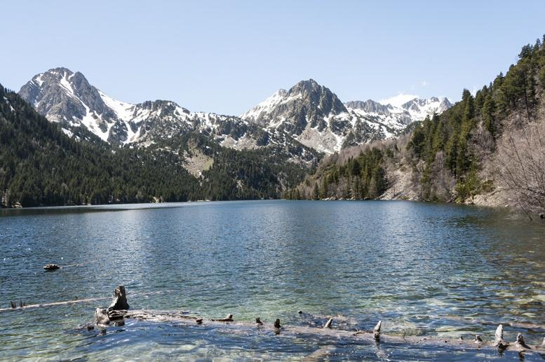 estany de sant maurici pyrenees