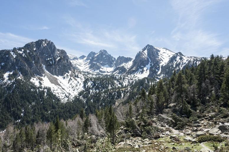 catalan pyrenees peaks