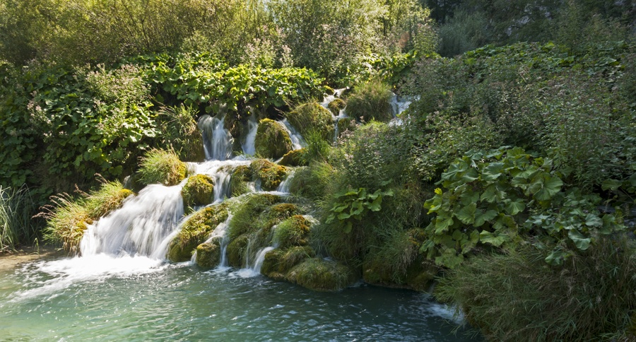 zadar to plitvice small waterfall