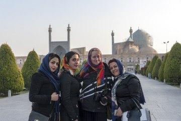 visit iran isfahan friendly ladies