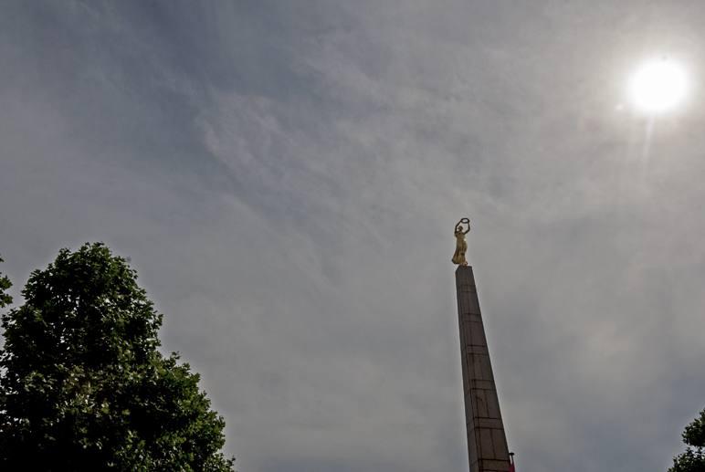 luxembourg city obelisk
