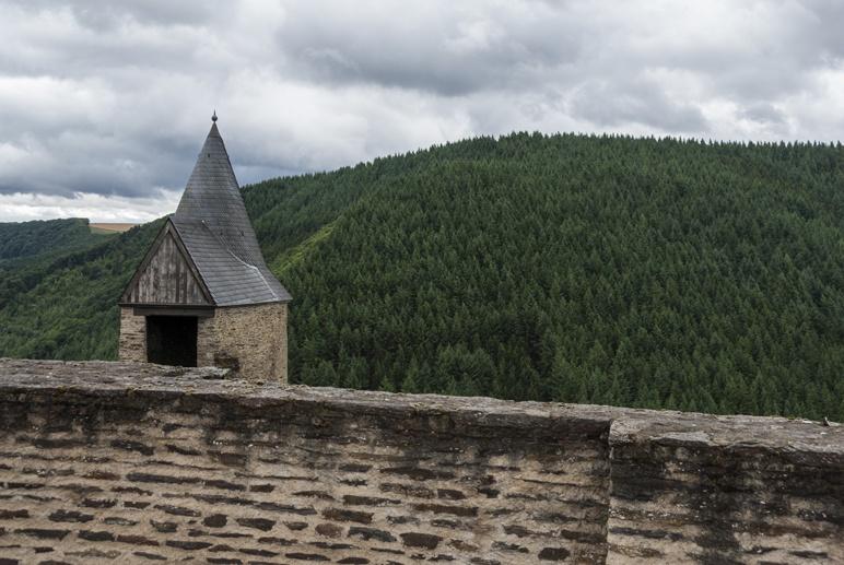 bourscheid castle walls